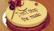 Los que descargan música son también los que más la compran