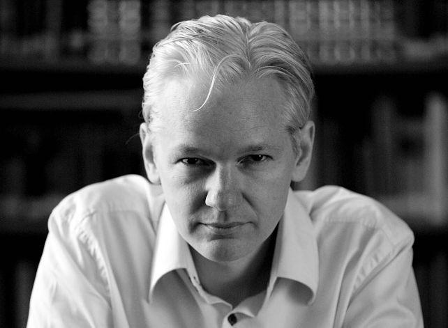 Ecuador está dispuesta a trasladar a Assange a Suecia